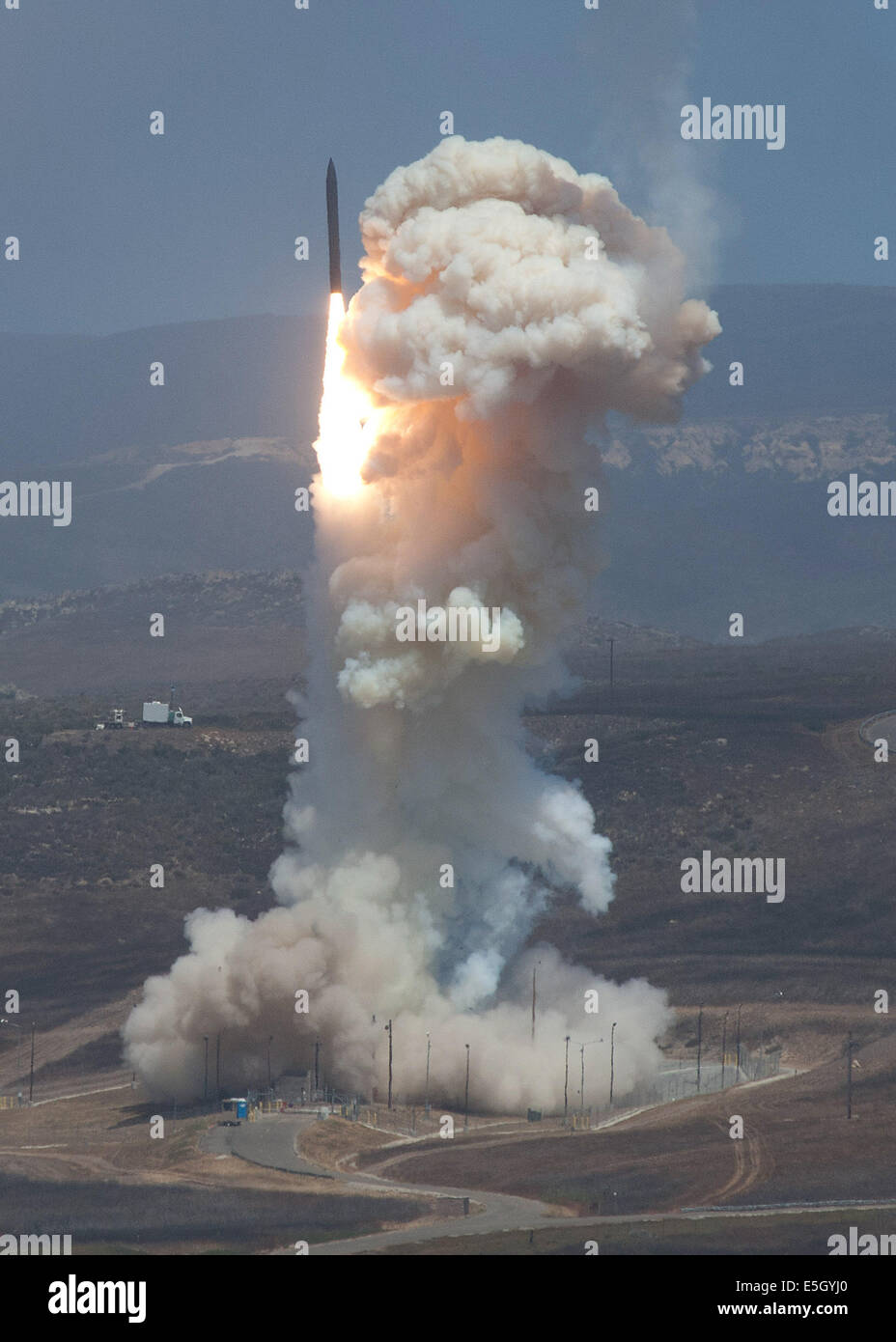 The Missile Defense Agency's Flight Test 06b Ground-Based Interceptor missile launches from Vandenberg Air Force - Stock Image