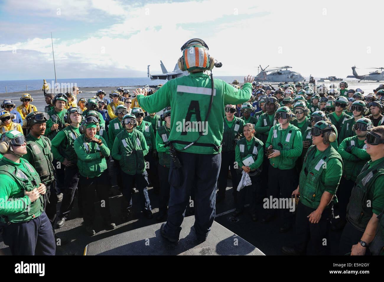 U S Navy Aviation Boatswain S Mate Equipment 2nd Class