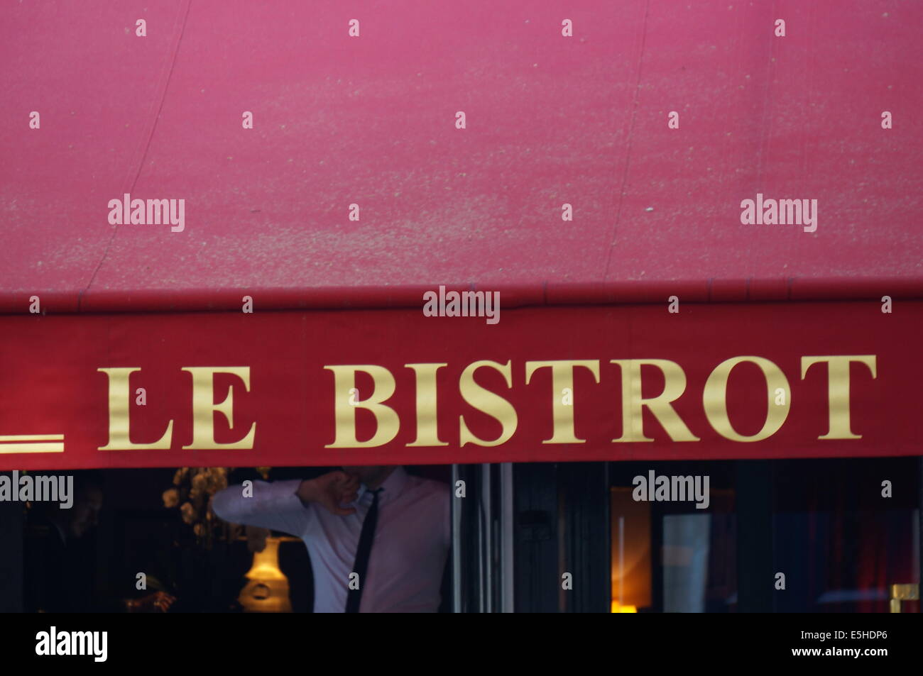 Le Bistrot a small restaurant in Paris - Stock Image
