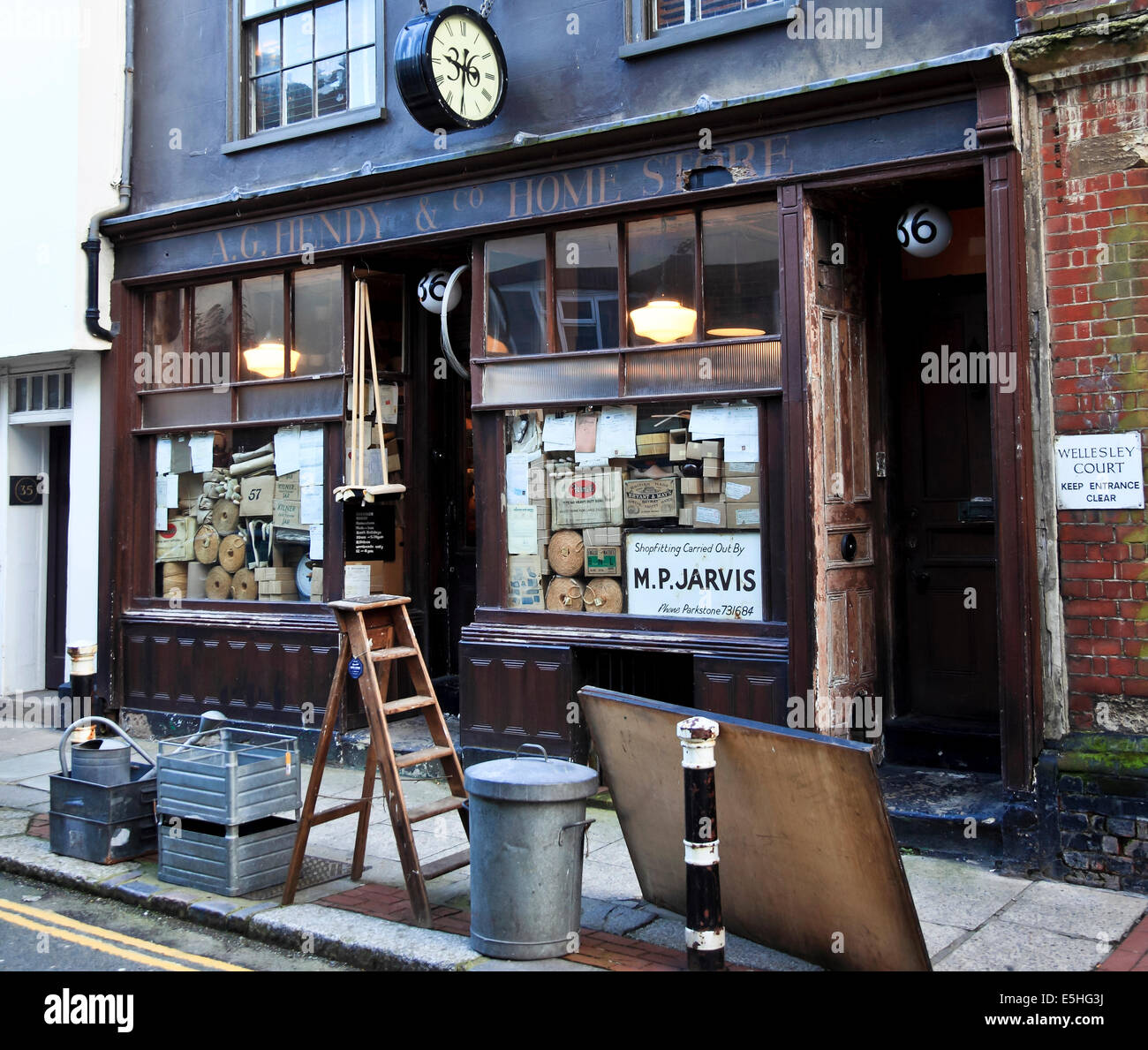 9515. Shop, High Street, Old Town, Hastings, East Sussex - Stock Image