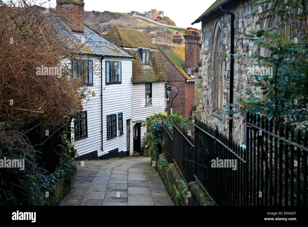 9517. Street view, Old Town, Hastings, East Sussex - Stock Image