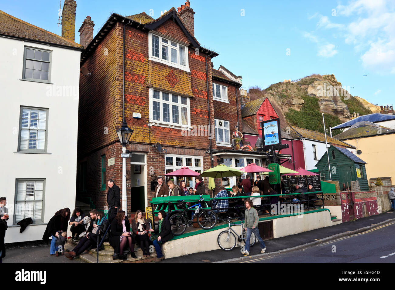 9523. The Dolphin Pub, Rock a Nore, Hastings, East Sussex - Stock Image