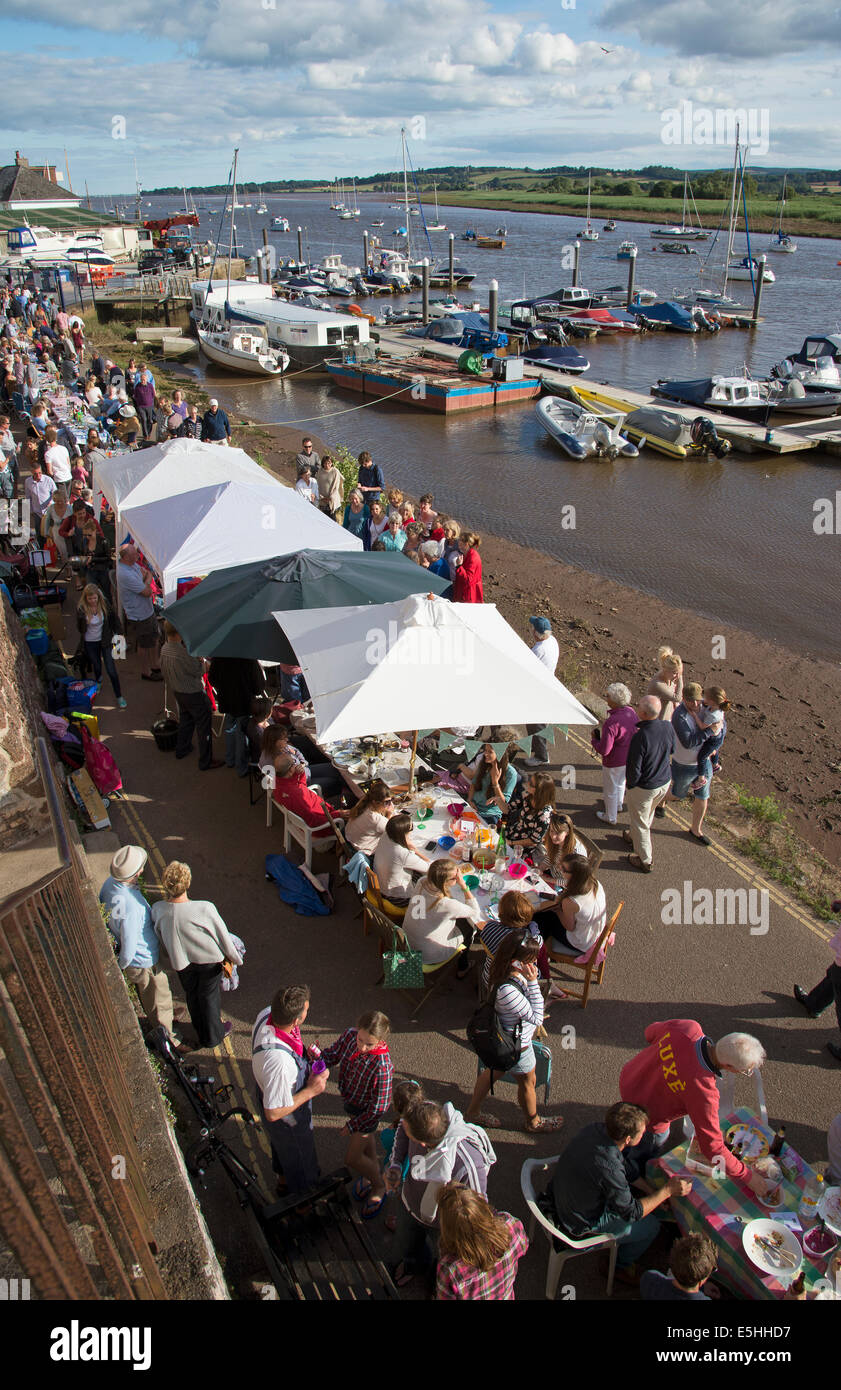 Topsham's Longest Table Devon England UK residents fill the streets and quay to celebrate with food & drinks - Stock Image