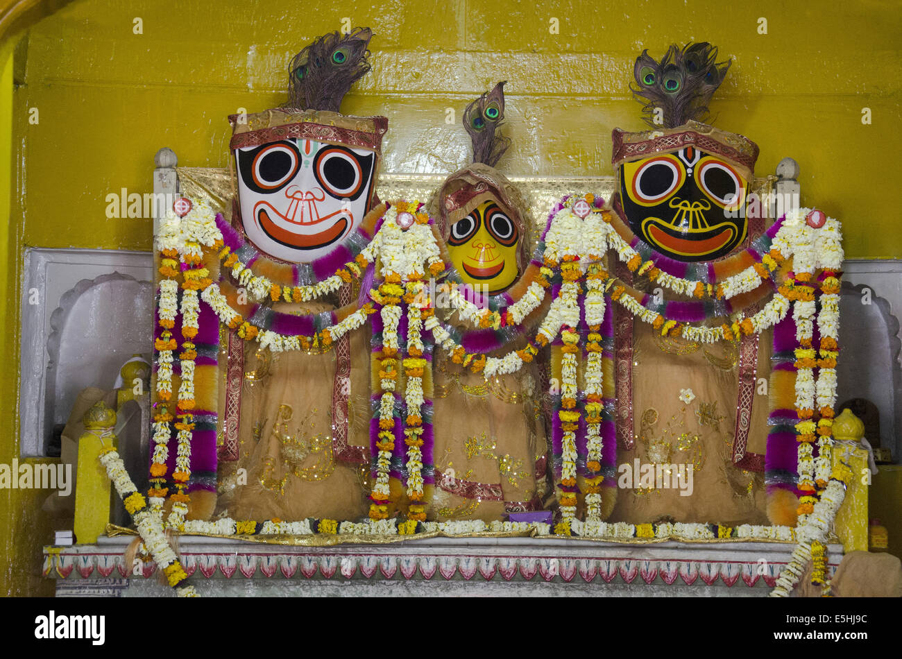Most Inspiring Wallpaper Lord Jagannath Puri - temple-of-the-holy-triad-of-the-jagannath-temple-lord-jagannath-balabhadra-E5HJ9C  Pic_65649.jpg