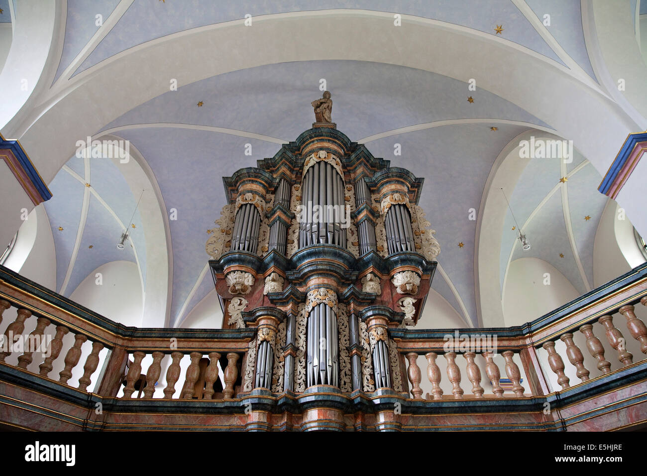 Organ in the baroque Church of St. Pancras, Körbecke, Möhnesee, Sauerland, North Rhine-Westphalia, Germany - Stock Image
