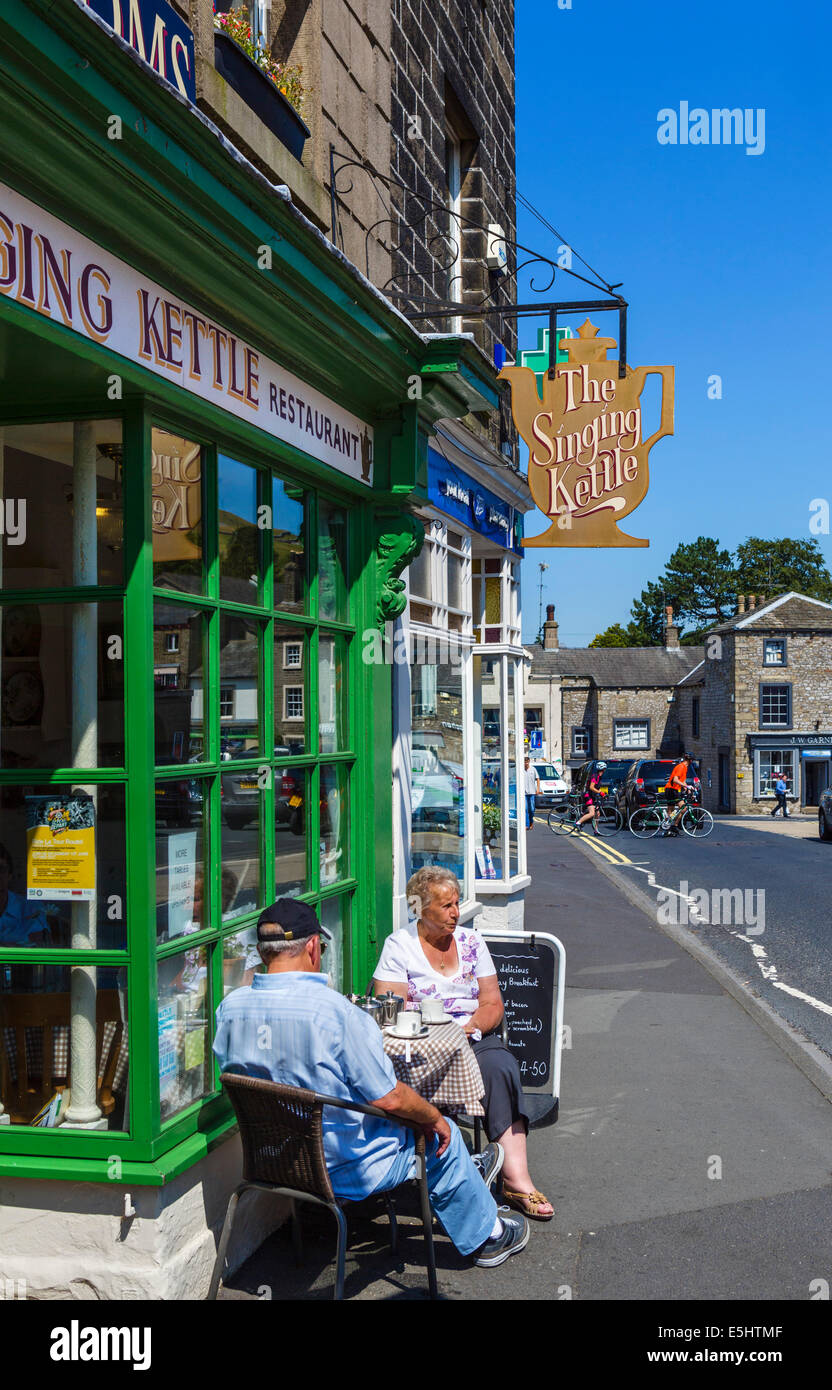 The Singing Kettle Tea Rooms, The Market Place, Settle, North Yorkshire, UK - Stock Image