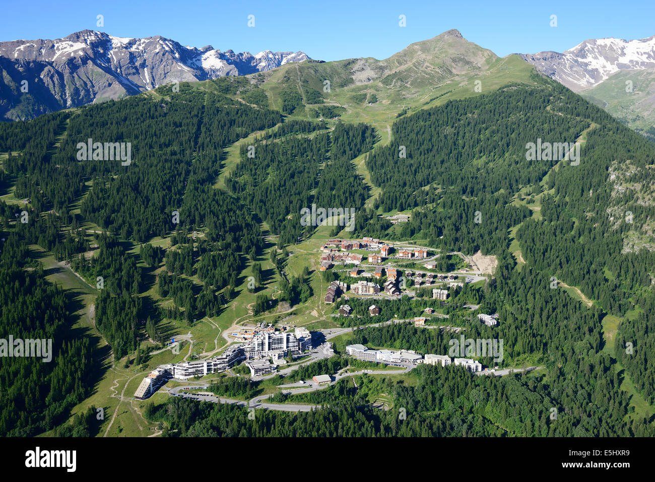 SKI RESORT OF PUY-SAINT-VINCENT IN THE SUMMER (aerial view). Les Ecrins Massif, Hautes-Alpes, France. - Stock Image