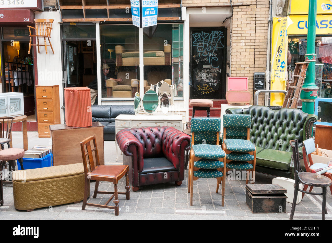 second hand used furniture for sale on brick lane tower hamlets stock photo 72311093 alamy. Black Bedroom Furniture Sets. Home Design Ideas