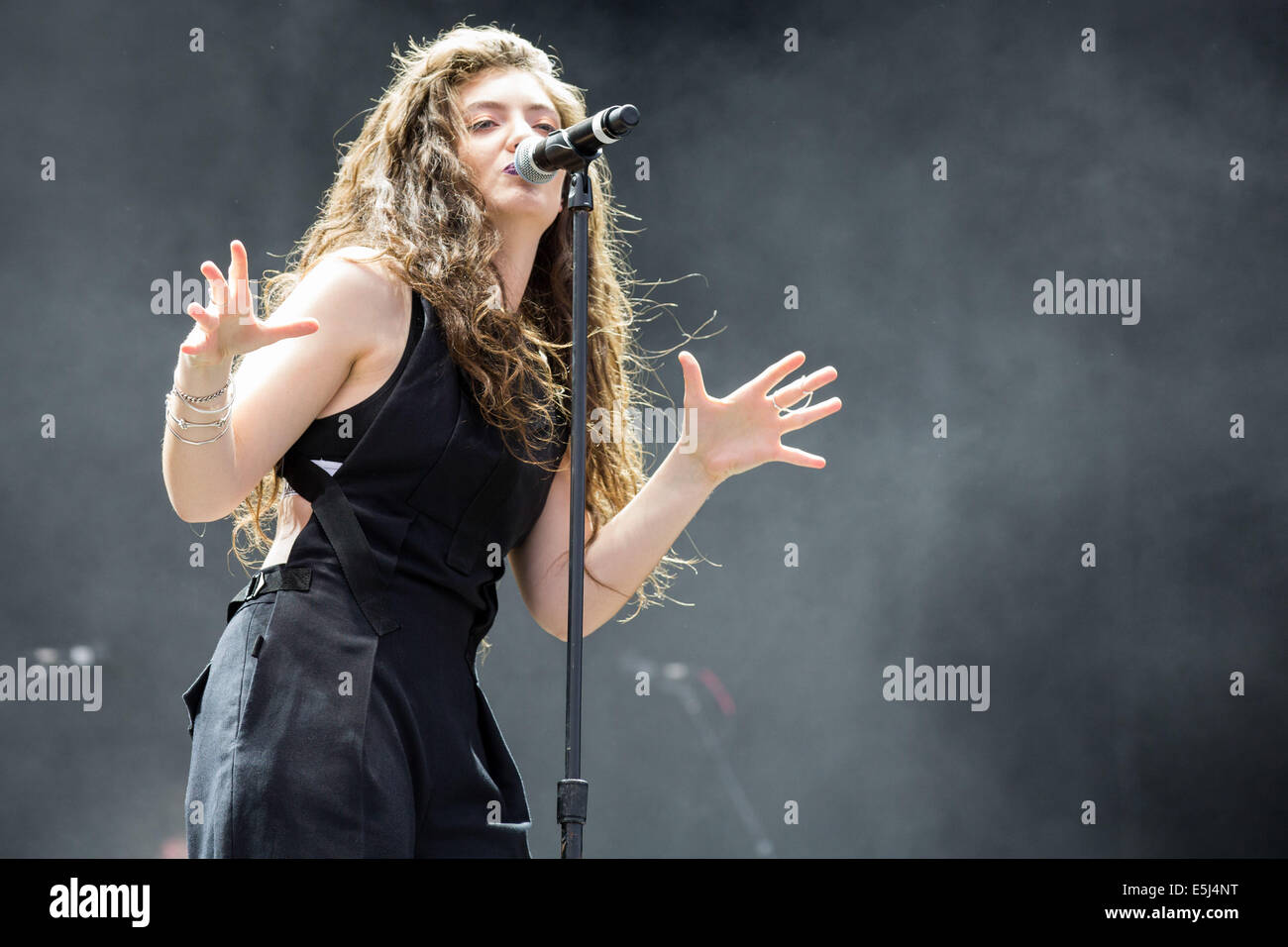 Chicago, Illinois, USA. 5th Jan, 2012. Vocalist LORDE performs live at the 2014 Lollapalooza Music Festival in Chicago, - Stock Image