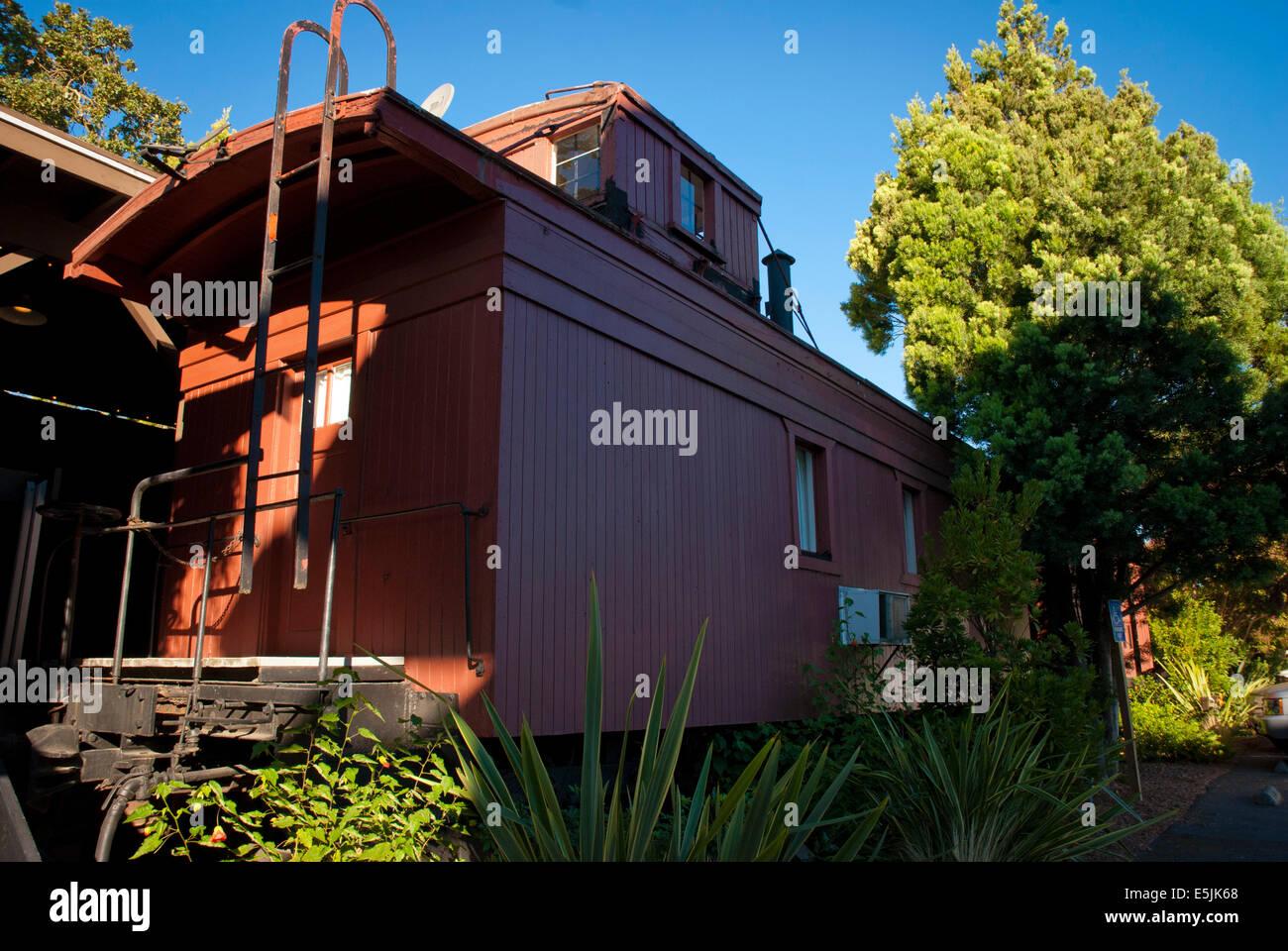 Box cars at the Railway Inn, Yountville, Napa Valley, California - Stock Image