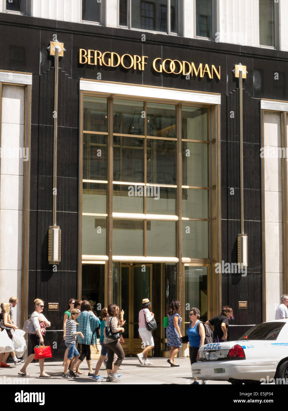 97fbf47d2 Bergdorf Goodman Men's Store, NYC Stock Photo: 72327224 - Alamy
