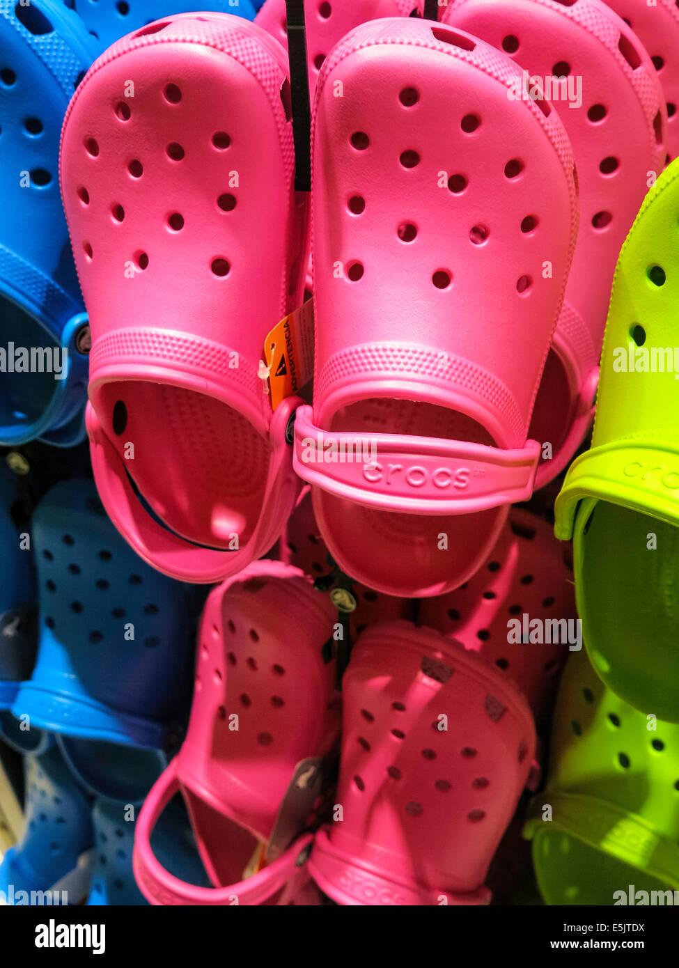 5fc18a9b2 Crocs Synthetic Foam Shoe Store at 152 West 34th Street