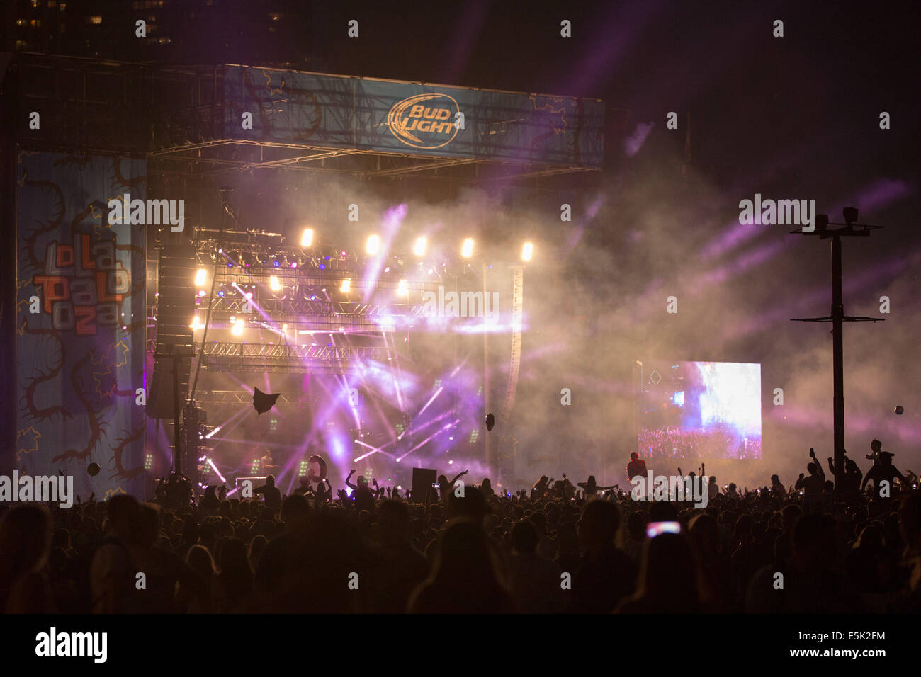 Chicago, Illinois, USA. 2nd Aug, 2014. Electronic dance musician CALVIN HARRIS performs live at 2014 Lollapalooza - Stock Image