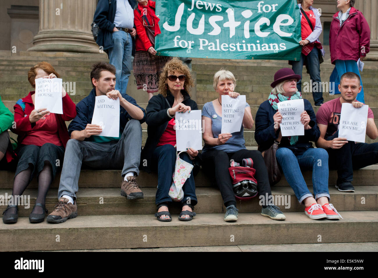 Liverpool, UK. 03rd Aug, 2014. Around 200 people have attended a middle east peace vigil that was held in Liverpool - Stock Image