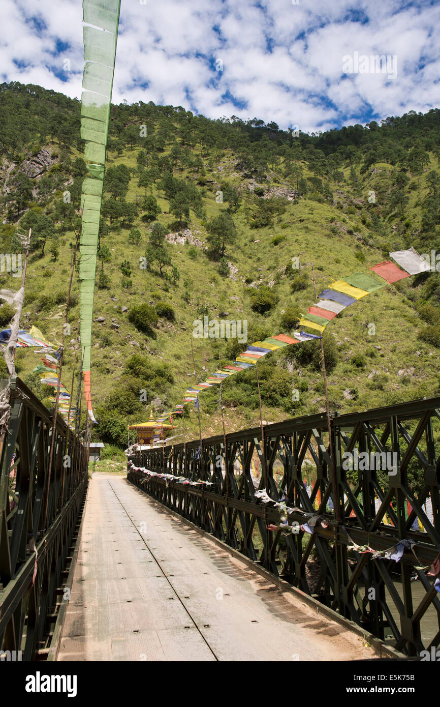 Eastern Bhutan, Lhuentse Valley new road bridge across Kuri Chhu River to Khoma village Stock Photo