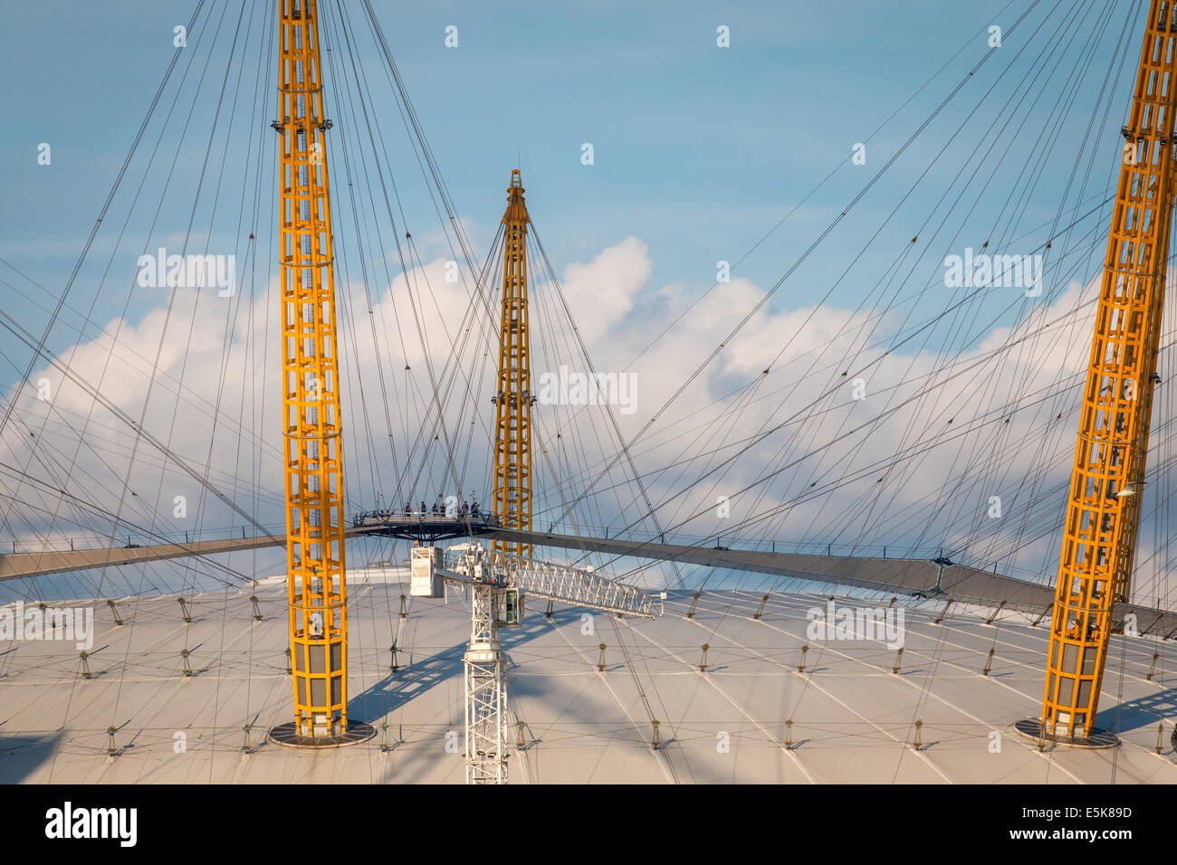Detail of the O2 Arena's roof and people walking across - Stock Image