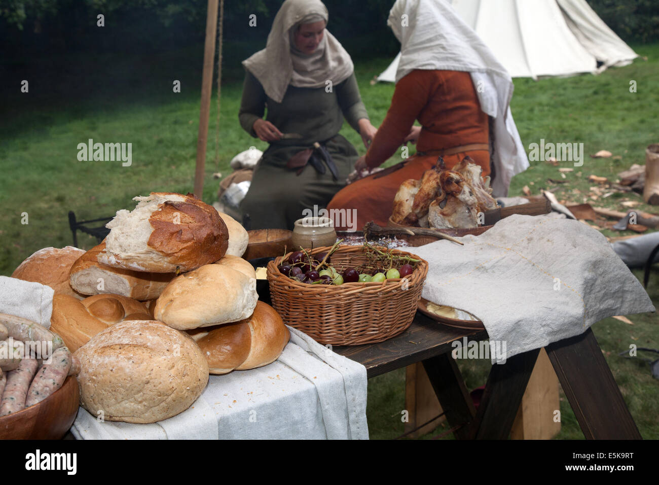Beeston, Cheshire, UK 3rd August, 2014.  A Medieval Knights Tournament food table held at Beeston Castle in Cheshire, Stock Photo
