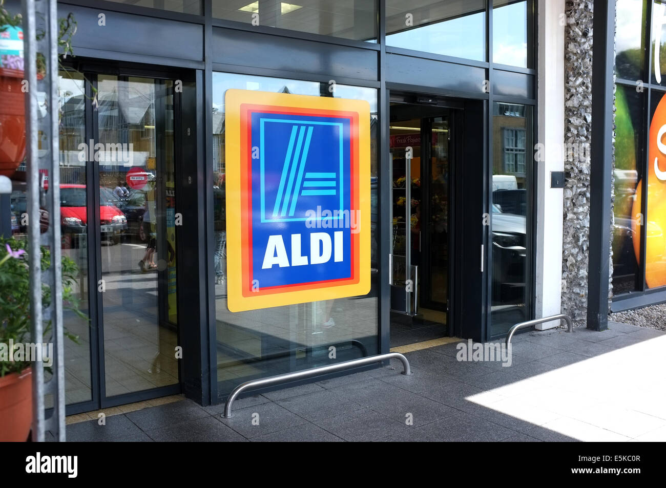 Aldi Supermarket Branch In Win Canterbury Kent Uk 2017 Stock Image