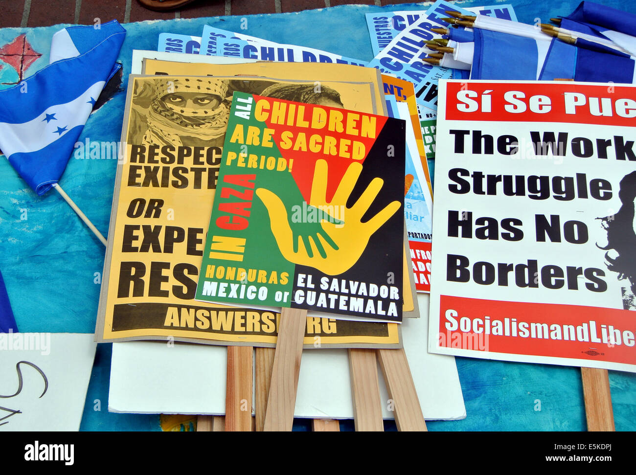 San Francisco, CA, USA, 2nd Aug, 2014. August 2nd, San Francisco, California USA.  Signs condeming Israel bombing - Stock Image