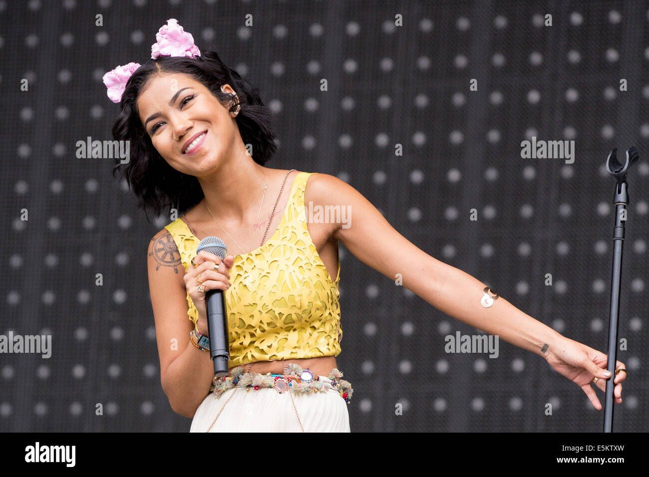 Chicago, Illinois, USA. 3rd Aug, 2014. Vocalist JHENE AIKO performs live at the 2014 Lollapalooza Music Festival - Stock Image