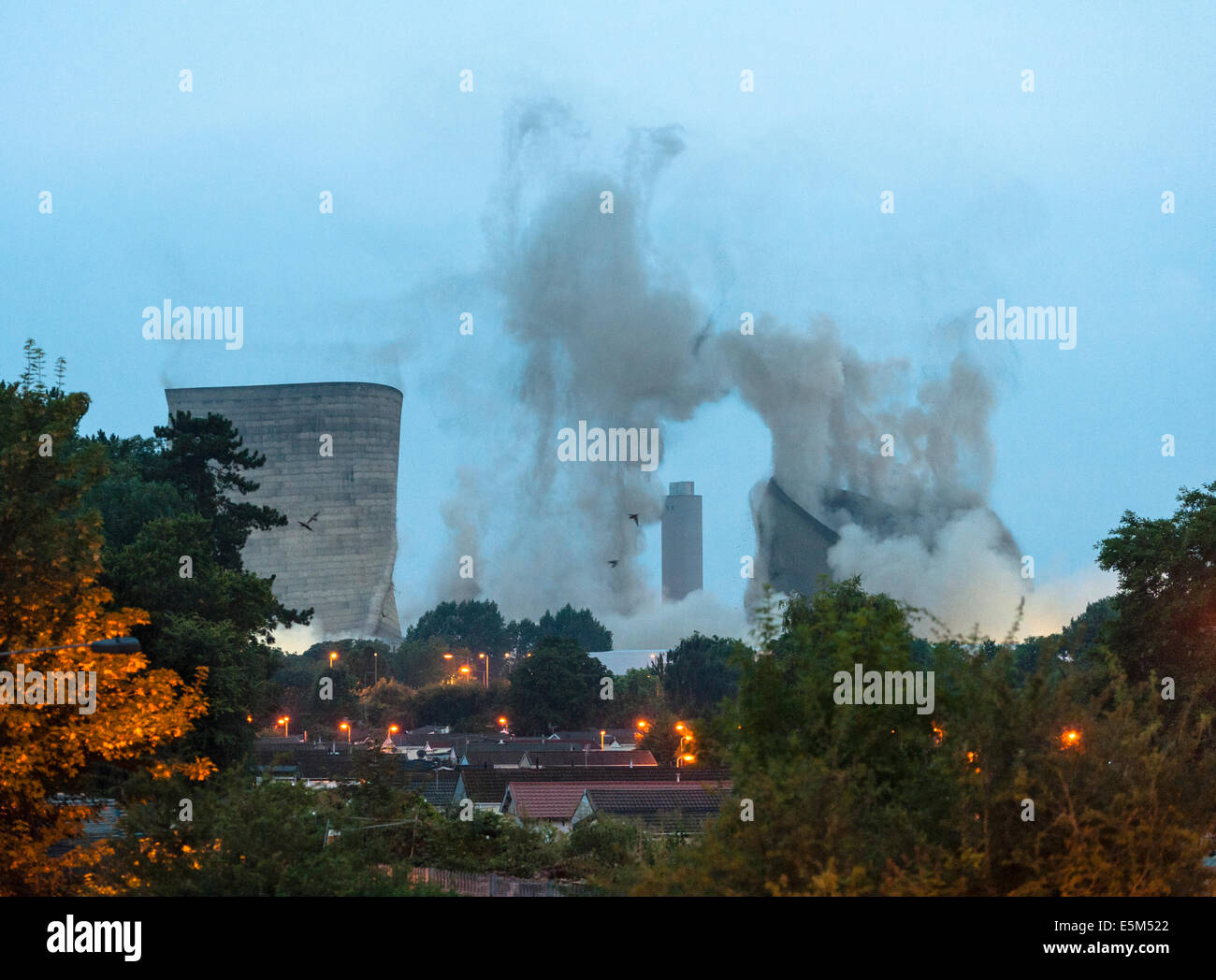 Didcot power station, Oxfordshire, UK. The demolition of the famous cooling towers on the morning of July 27, 2014 - Stock Image