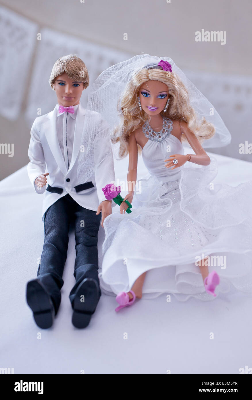 barbie wedding cake topper ken amp and groom cake toppers on a wedding 11071