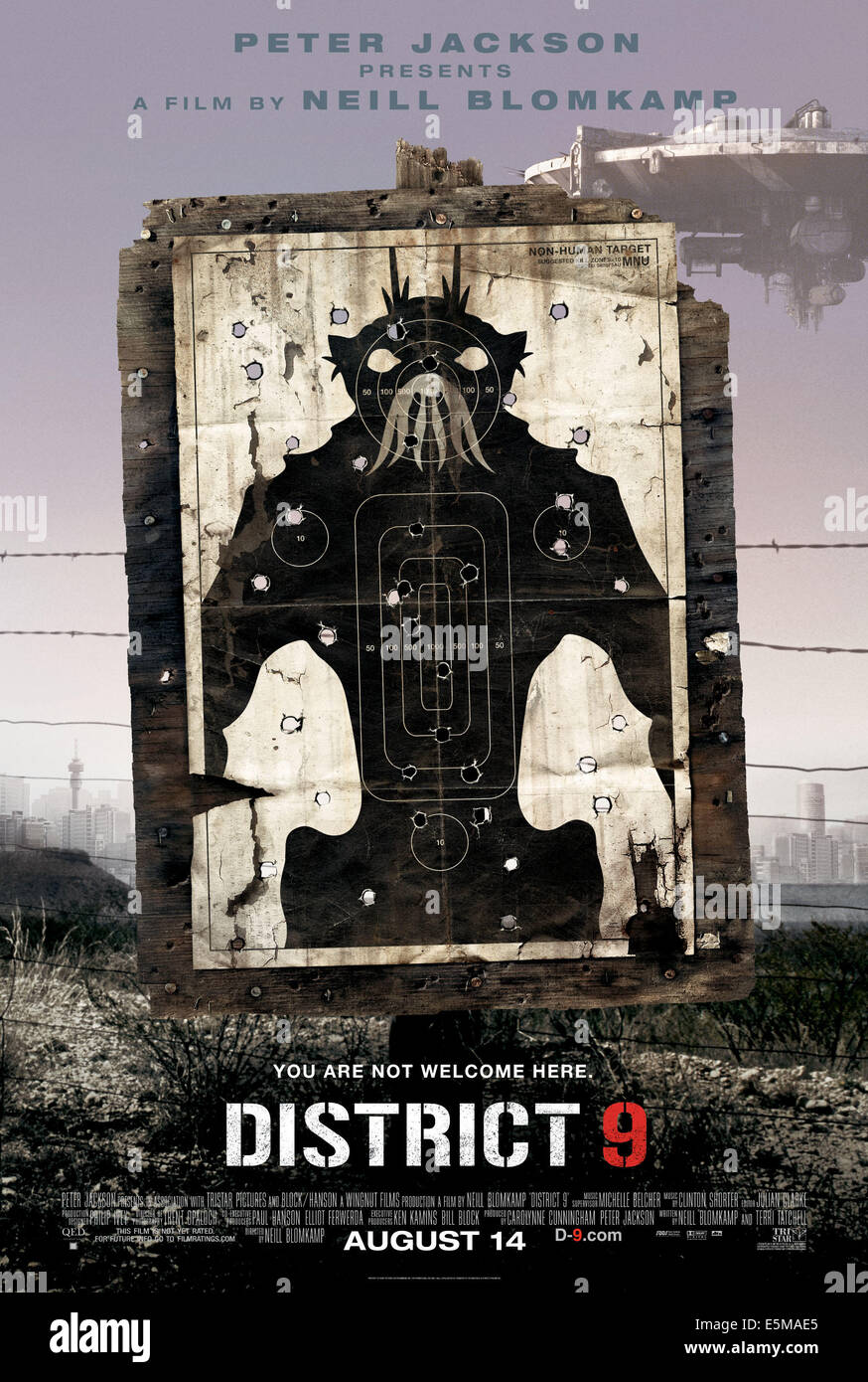 DISTRICT 9, 2009. ©Sony Pictures Entertainment/Courtesy Everett Collection - Stock Image