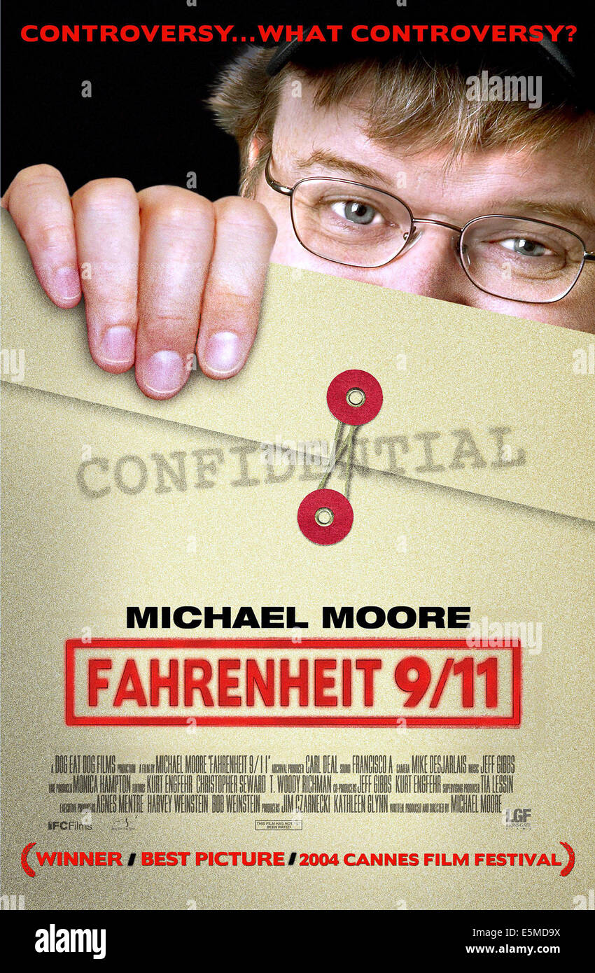 FAHRENHEIT 9/11, Michael Moore, 2004, (c) Lions Gate/courtesy Everett Collection Stock Photo