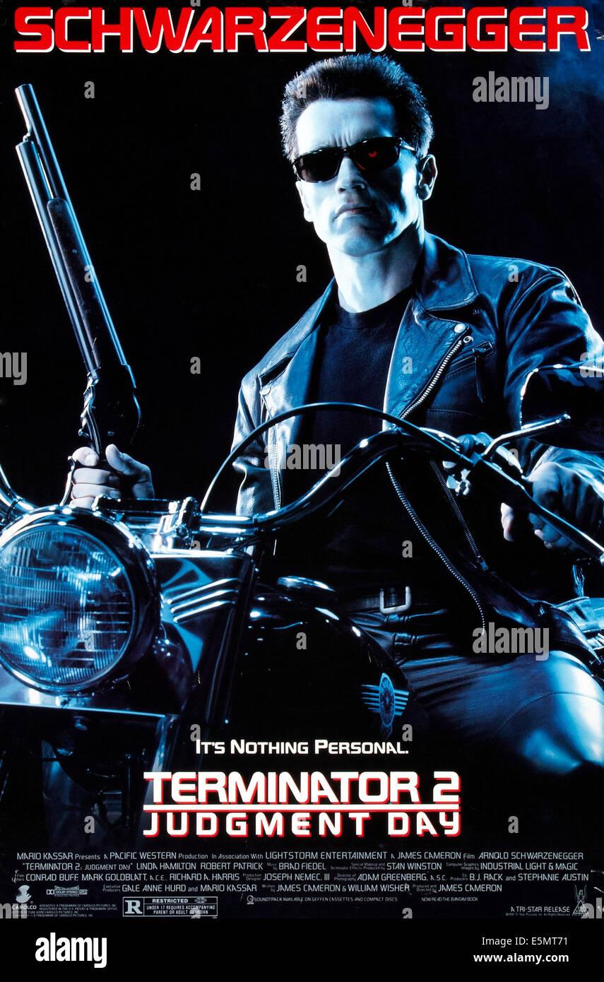 TERMINATOR 2, (aka TERMINATOR 2: JUDGMENT DAY), US poster art, Arnold Schwarzenegger, 1991. ©TriStar Pictures/courtesy - Stock Image