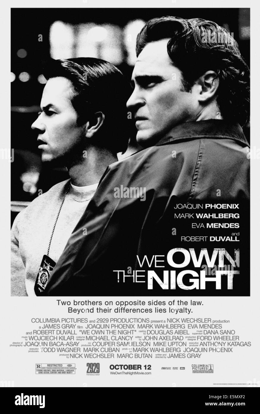 WE OWN THE NIGHT, Mark Wahlberg, Joaquin Phoenix, 2007. ©Columbia Pictures/Courtesy Everett Collection - Stock Image