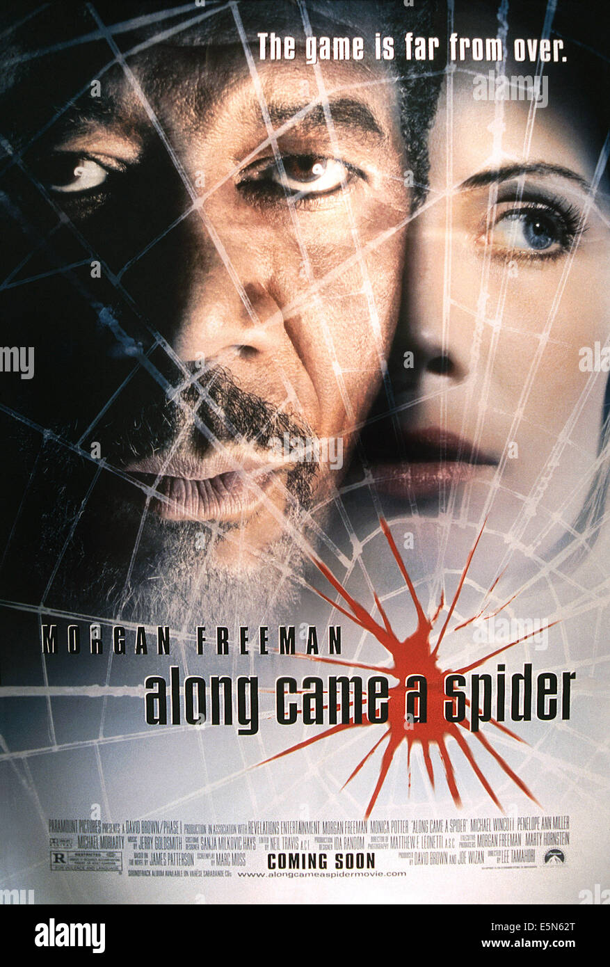 ALONG CAME A SPIDER, from left: Morgan Freeman, Monica Potter, 2001, © Paramount/courtesy Everett Collection - Stock Image