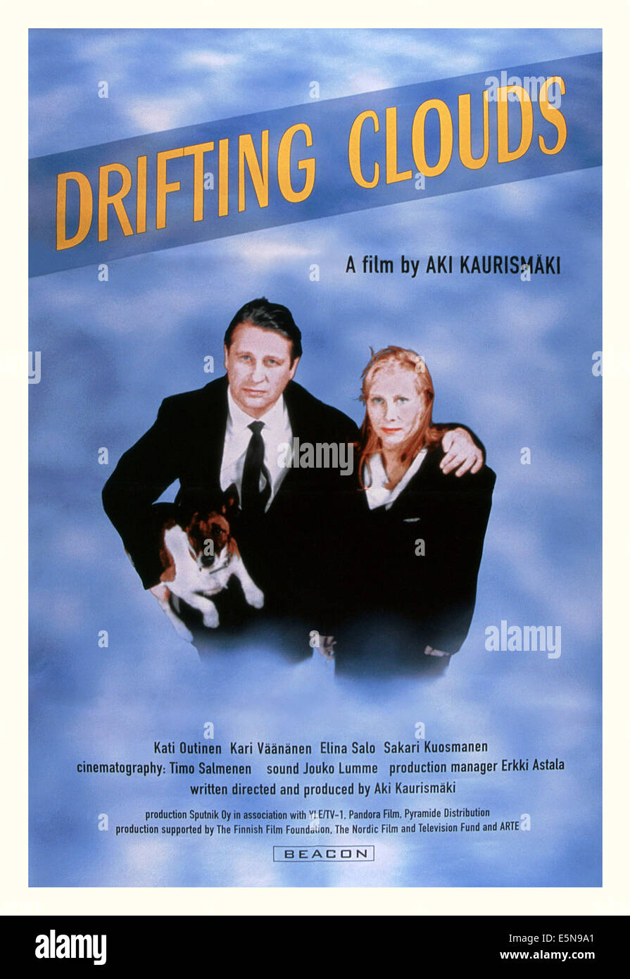 DRIFTING CLOUDS, (aka KAUAS PILVET KARKAAVAT), from left: Kari Vaananen, Kati Outinen, 1996, © Sputnik/courtesy - Stock Image
