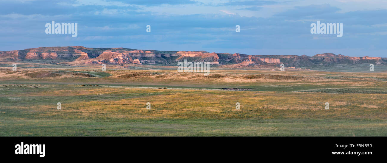 Pawnee National Grassland in northern Colorado  -  a panoramic view of short grass prairie and Chalk Bluff cliff - Stock Image