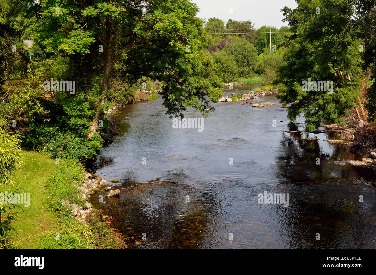 Peaceful scene on the River Cong, in Cong, County Mayo, Ireland - Stock Image