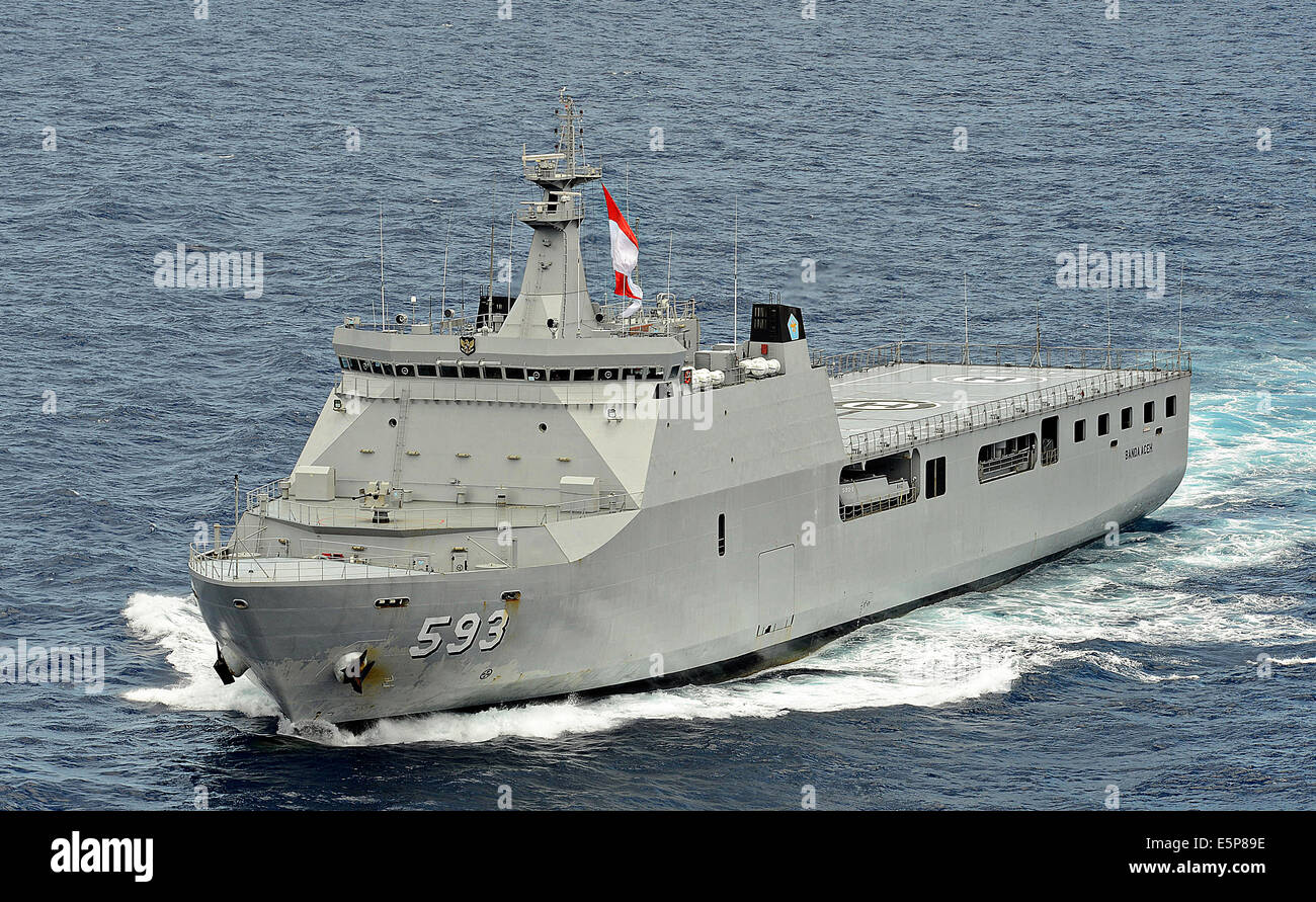 Royal Indonesia Navy Makassar class landing platform dock ship KRI Banda Aceh during Rim of the Pacific Exercise Stock Photo