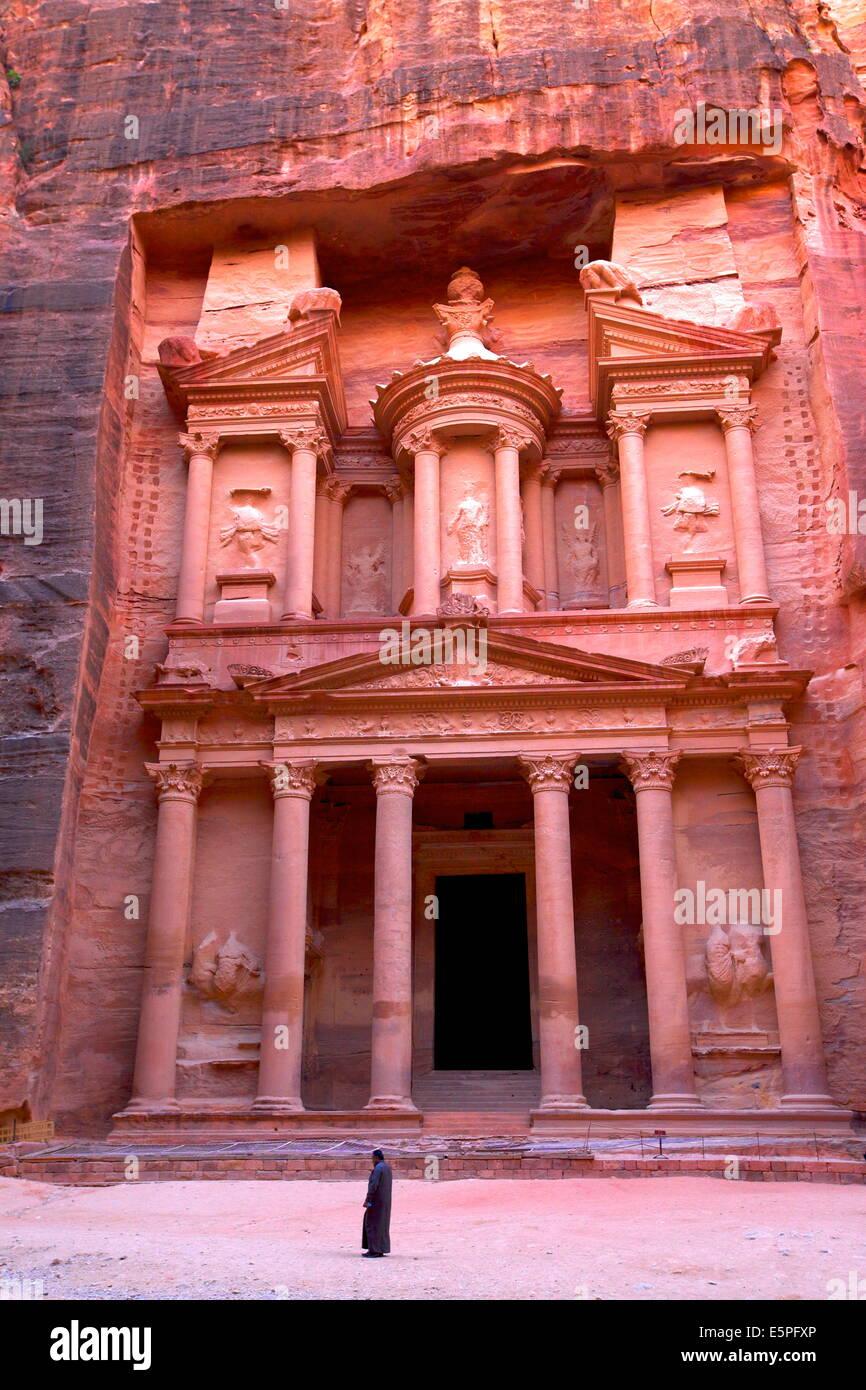 The Treasury, Petra, UNESCO World Heritage Site, Jordan, Middle East - Stock Image