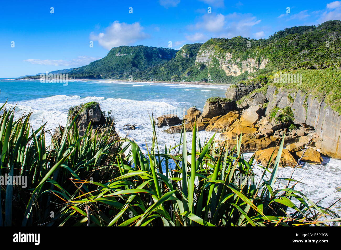 Beautiful rock formation, Pancake Rocks, Paparoa National Park, West Coast, South Island, New Zealand, Pacific - Stock Image