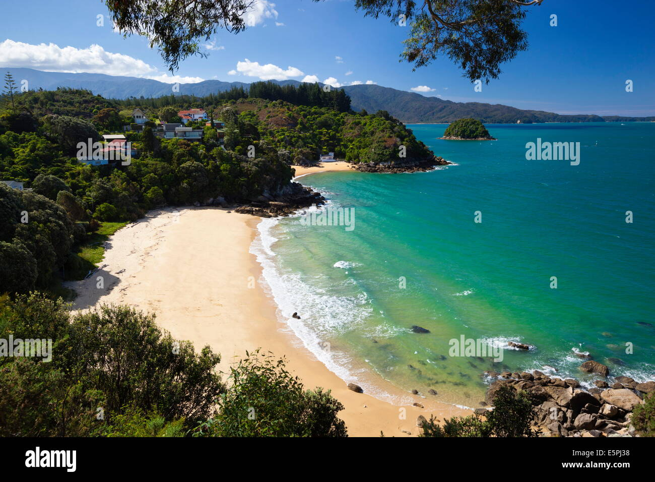 Breaker Bay and Honeymoon Bay from Kaka Lookout, Kaiteriteri, Nelson region, South Island, New Zealand, Pacific - Stock Image