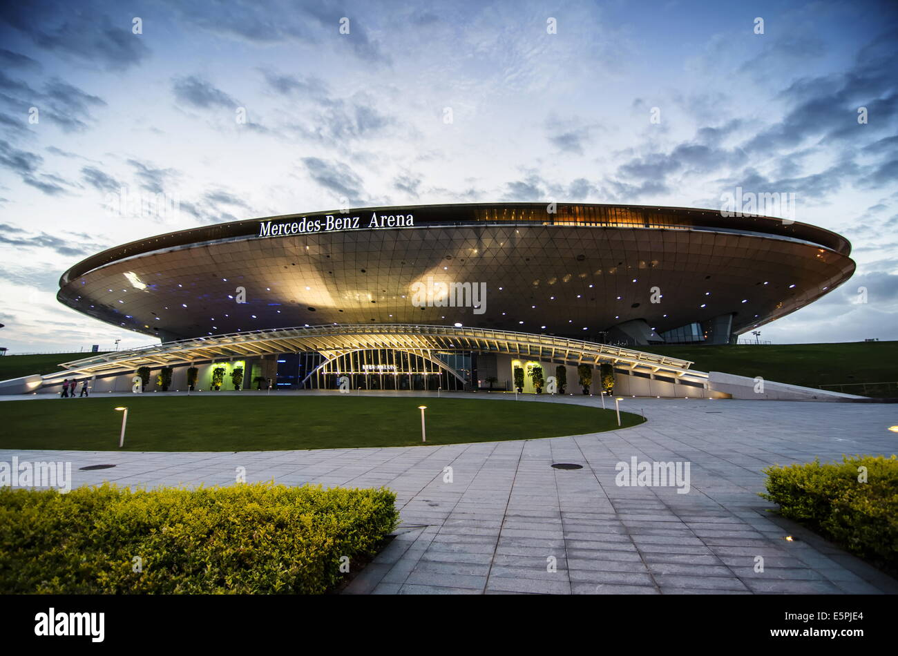 Mercedes Benz Arena Stock Photos & Mercedes Benz Arena Stock Images ...