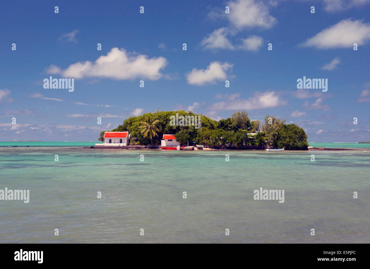 Mouchoir Island off the southeast coast of Mauritius, Indian Ocean, Africa - Stock Image