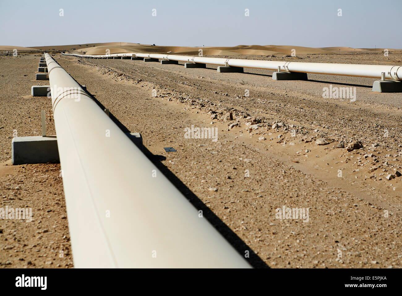 Crude Oil Line in the Qatari desert, Qatar, Middle East - Stock Image
