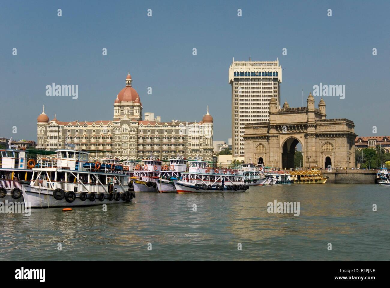 Gateway of India on the dockside beside the Taj Mahal Hotel, Mumbai, India, Asia - Stock Image