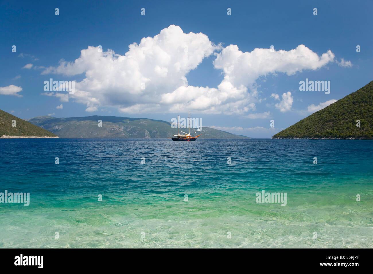 View across Antisamos Bay, Sami, Kefalonia (Kefallonia, Cephalonia), Ionian Islands, Greek Islands, Greece, Europe - Stock Image