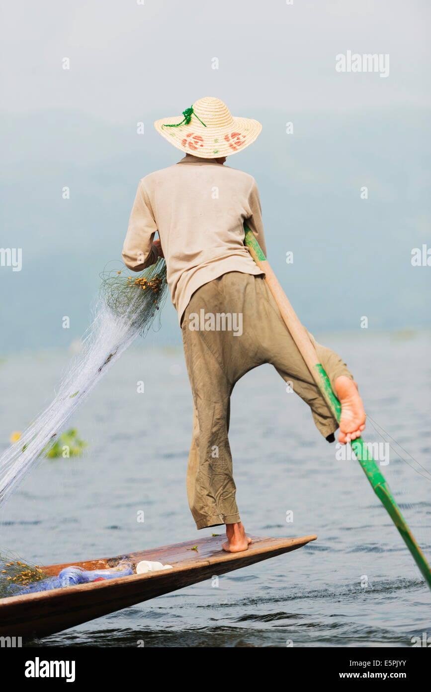 Intha fishermen, Inle Lake, Shan State, Myanmar (Burma), Asia - Stock Image