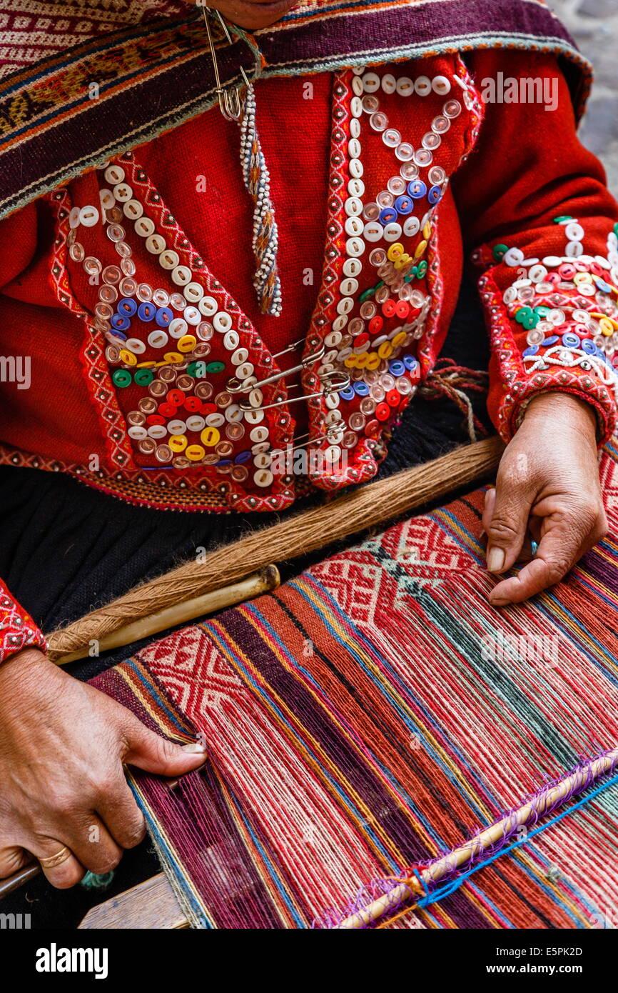 Quechua woman weaving a traditional textile, Cuzco, Peru, South America - Stock Image