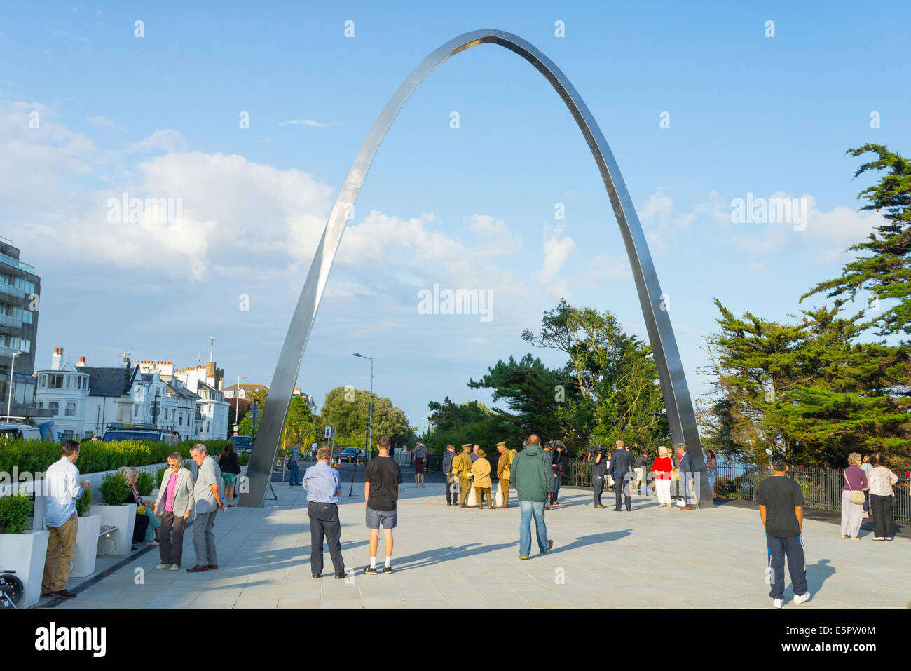 Folkestone, Kent, 4th August 2014. The Step Short First World War Memorial Arch in Folkestone, Kent, UK.  The Step - Stock Image