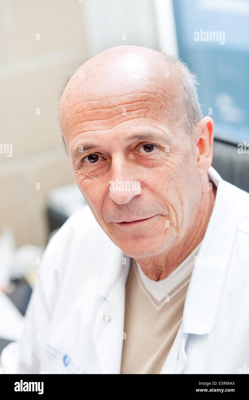 Dr Dominique Valade, neurologue, fondateur et chef de service des ...