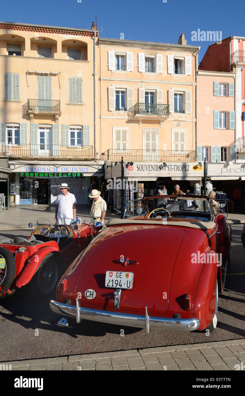 Veteran or Vintage Buick Eight Convertible Car, Cabriolet or Automobile Parked in front of Quayside Cafés at - Stock Image