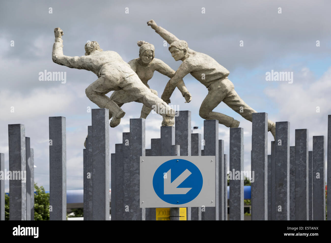 David Annand's 'Reel of three' sculpture Dalmarnock Road roundabout Glasgow - Stock Image