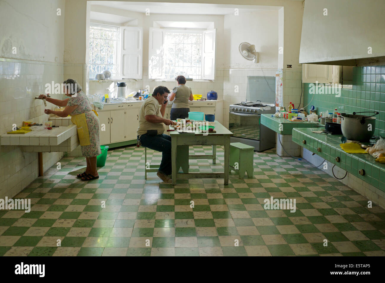 1920s Kitchen Stock Photos & 1920s Kitchen Stock Images - Alamy on 1920s houses bath, 1920s houses renovations, modern houses kitchen, 1920s houses furniture,